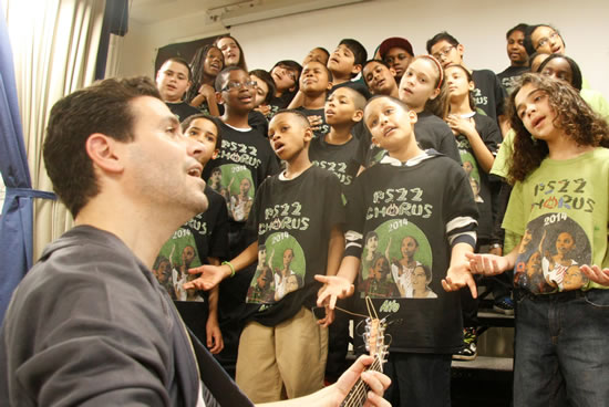"""Fifth Harmony and PS22 Chorus Perform """"Miss Movin On"""" - VIDEO"""